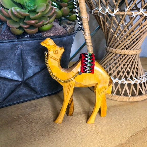 🐪 Small Carved wood camel
